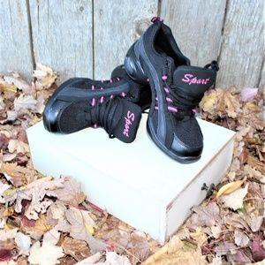 Dance Sneaker Size USA 6 EUR 38 NEW Black pink